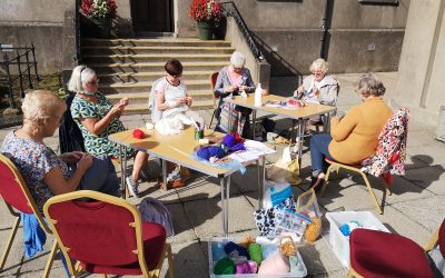 Knit and Natter is back !